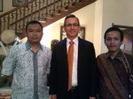 Abdul Hamid Dosen Fisip Untirta, Bersama Achham Ubaidillah dan Scot Marciel, Mantan Dubes US di Indonesia