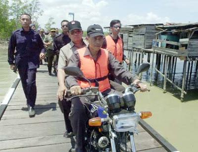 Sumber:http://beritahankam.blogspot.jp/2009/07/warga-sebatik-minta-presiden-terpilih.html