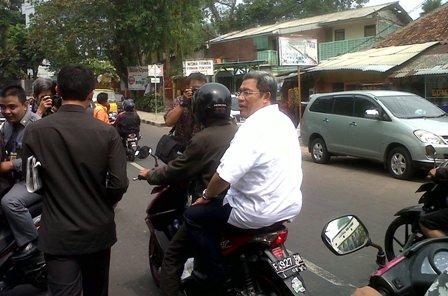 sumber:http://forum.detik.com/aksi-aher-menjelang-pemilihan-berkelanjutan-enggak-yak-t609711.html?p=22776974