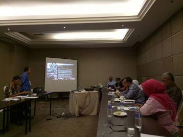 Presentasi Hibah Proposal PKLN, sehari sebelum berangkat.